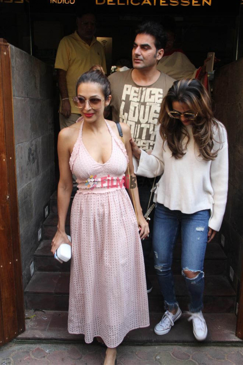 Malaika Arora Spotted With Arbazz Khan At Bandra Photos