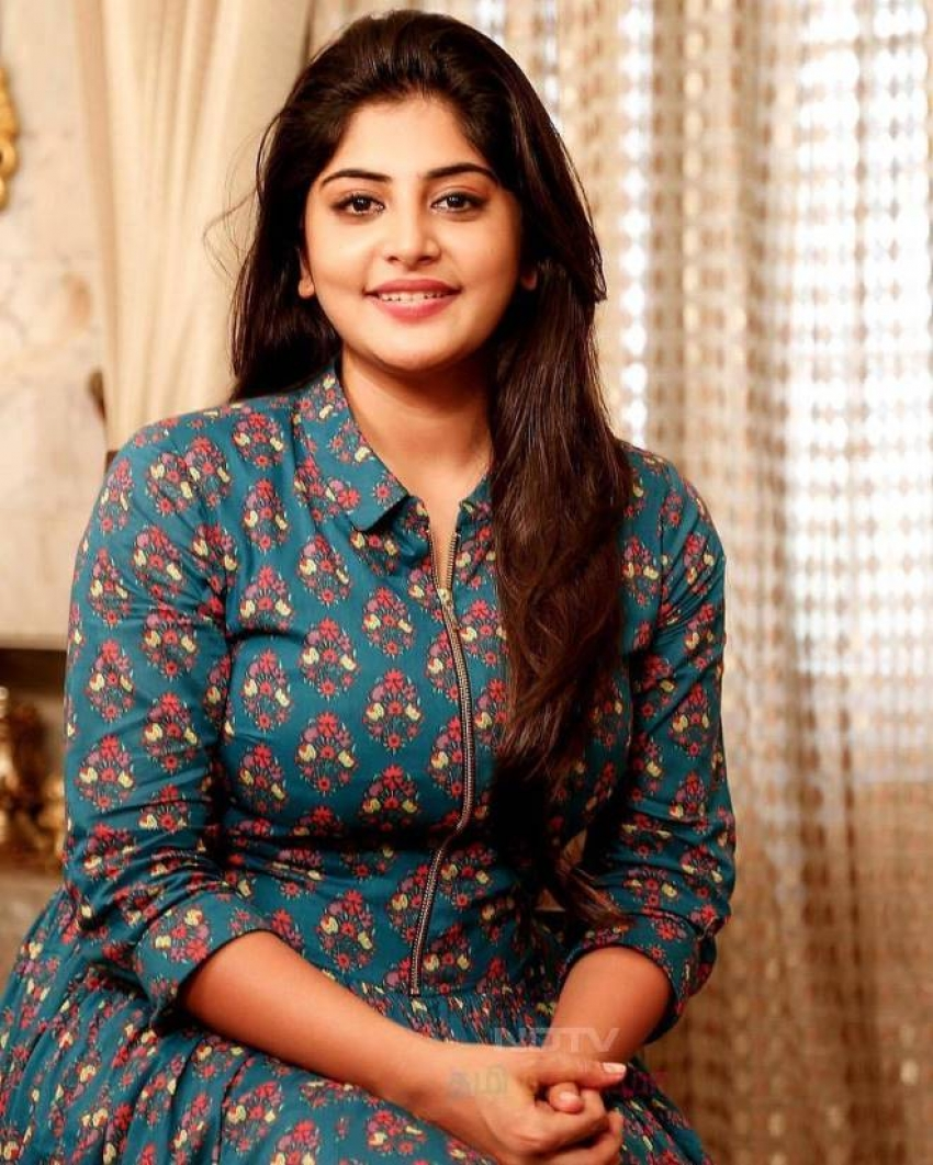 Manjima Mohan Photos