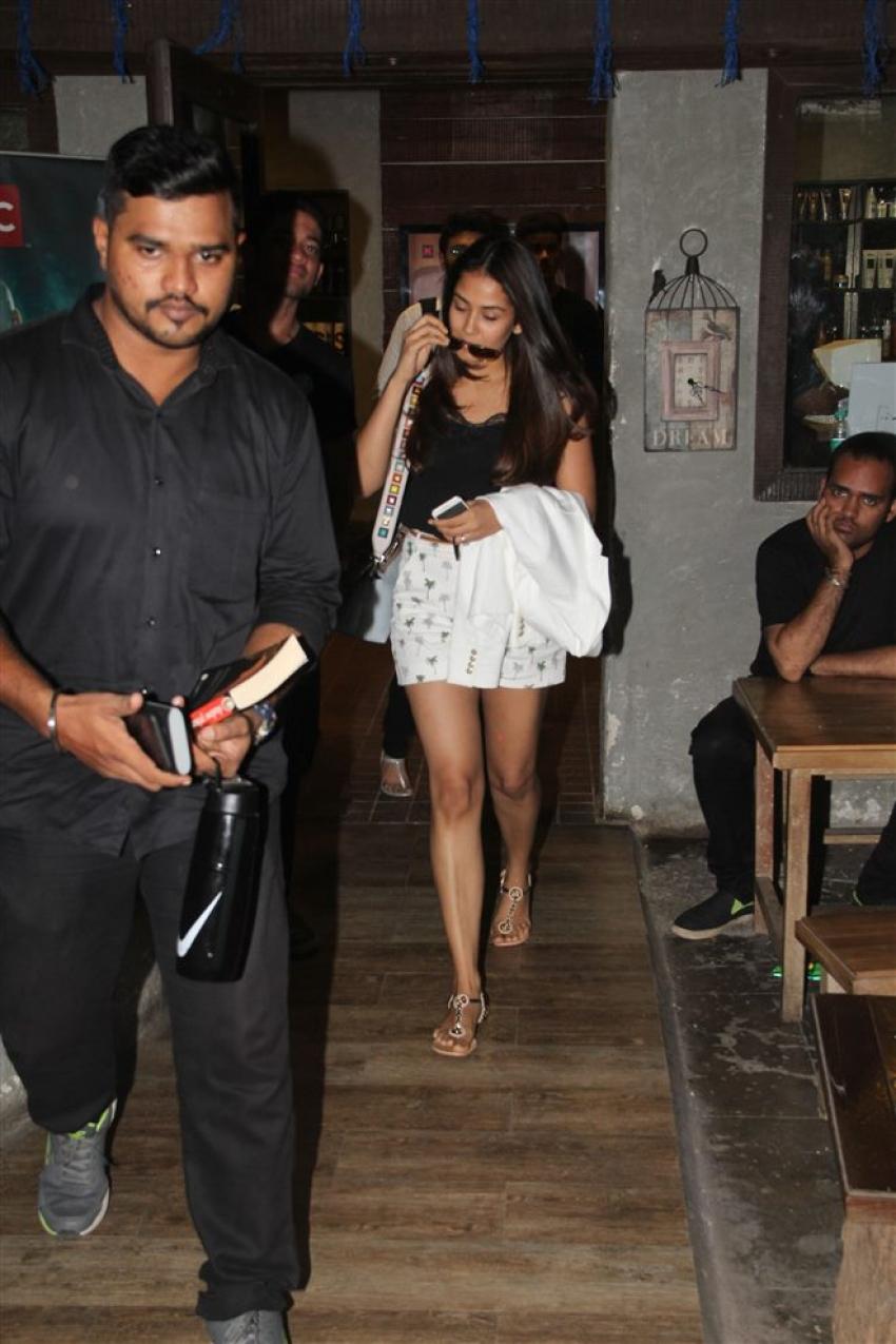 Mira Rajput Spotted At Hakim Saloon Photos
