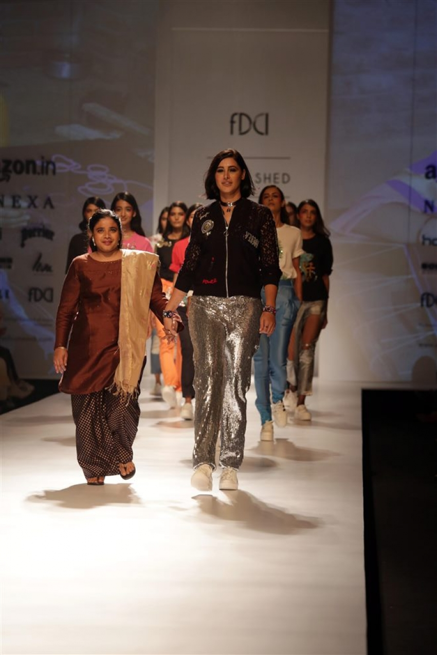 Nargis Fakhri Walked The Ramp At Amazon India Fashion Week 2017