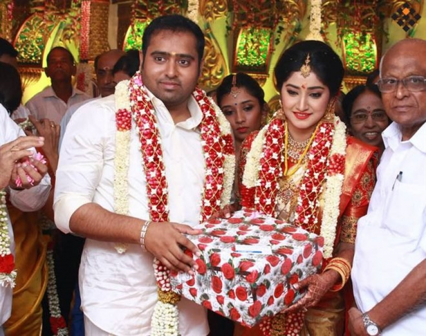 Producer Abinesh Elangovan - Nandhini Ravindran Wedding Photos