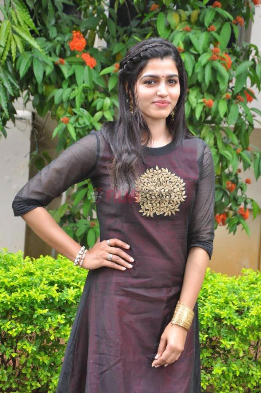 Sai Dhanshika Photos