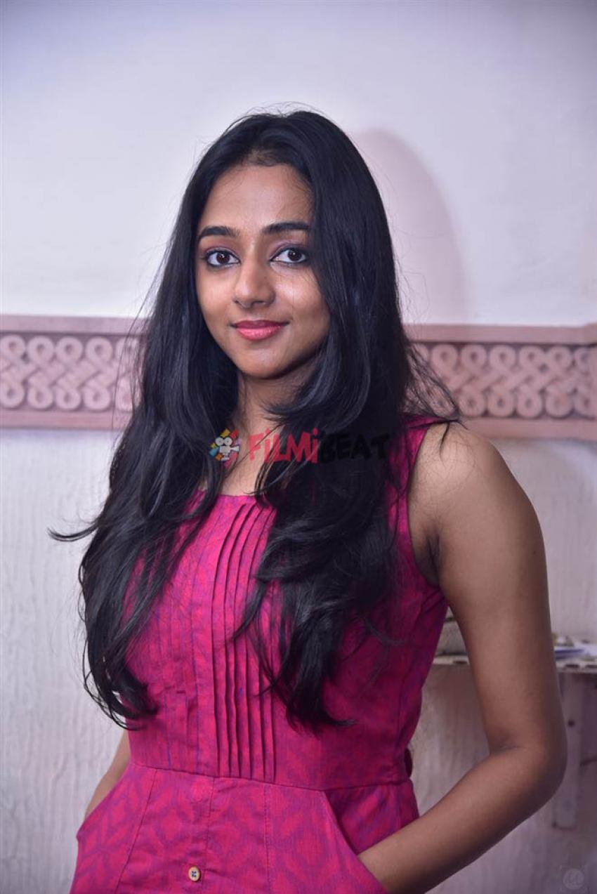 Santhy Balachandran Photos