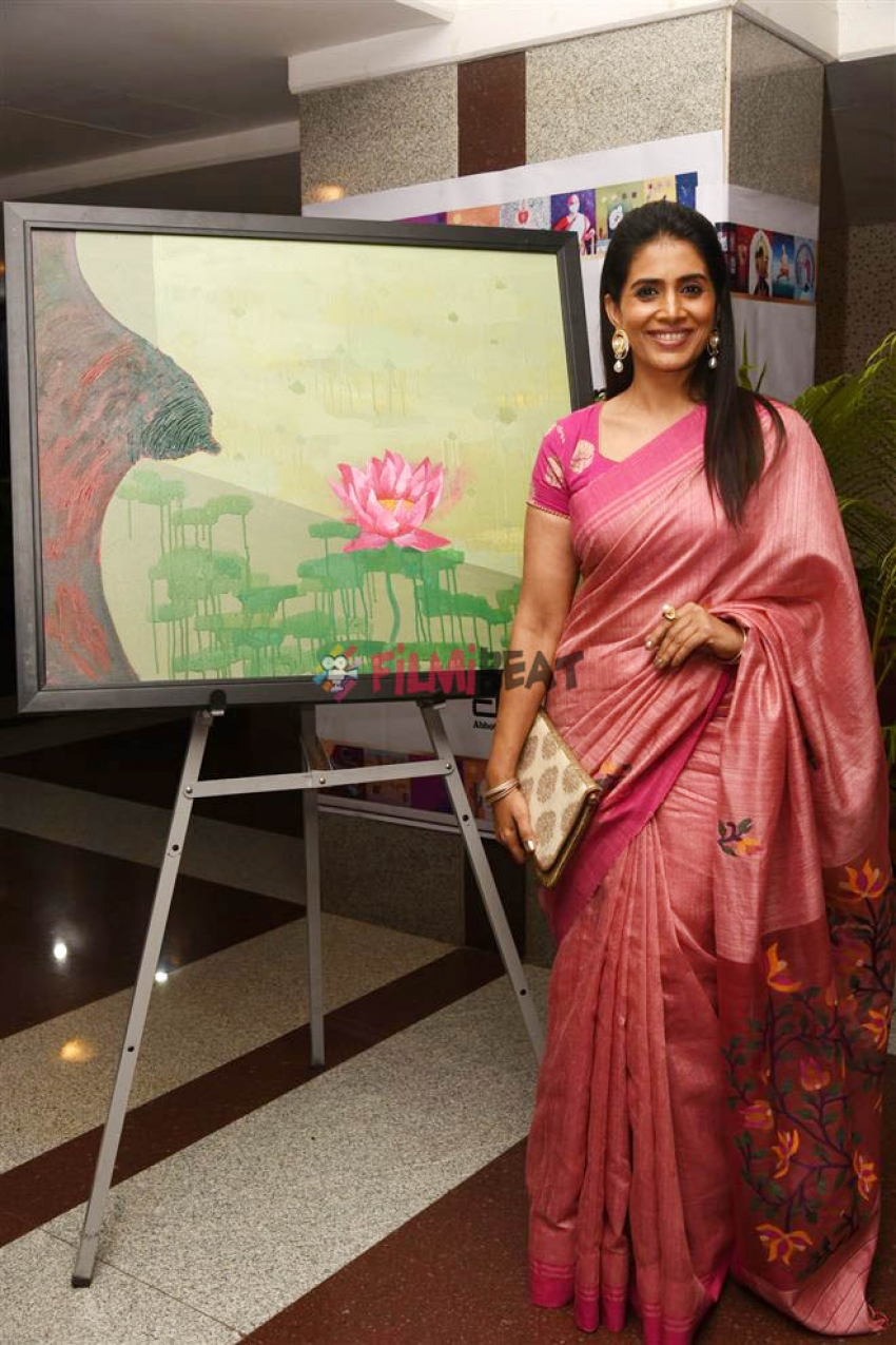 Sonali Kulkarni At Breast Cancer Awareness Week Photos
