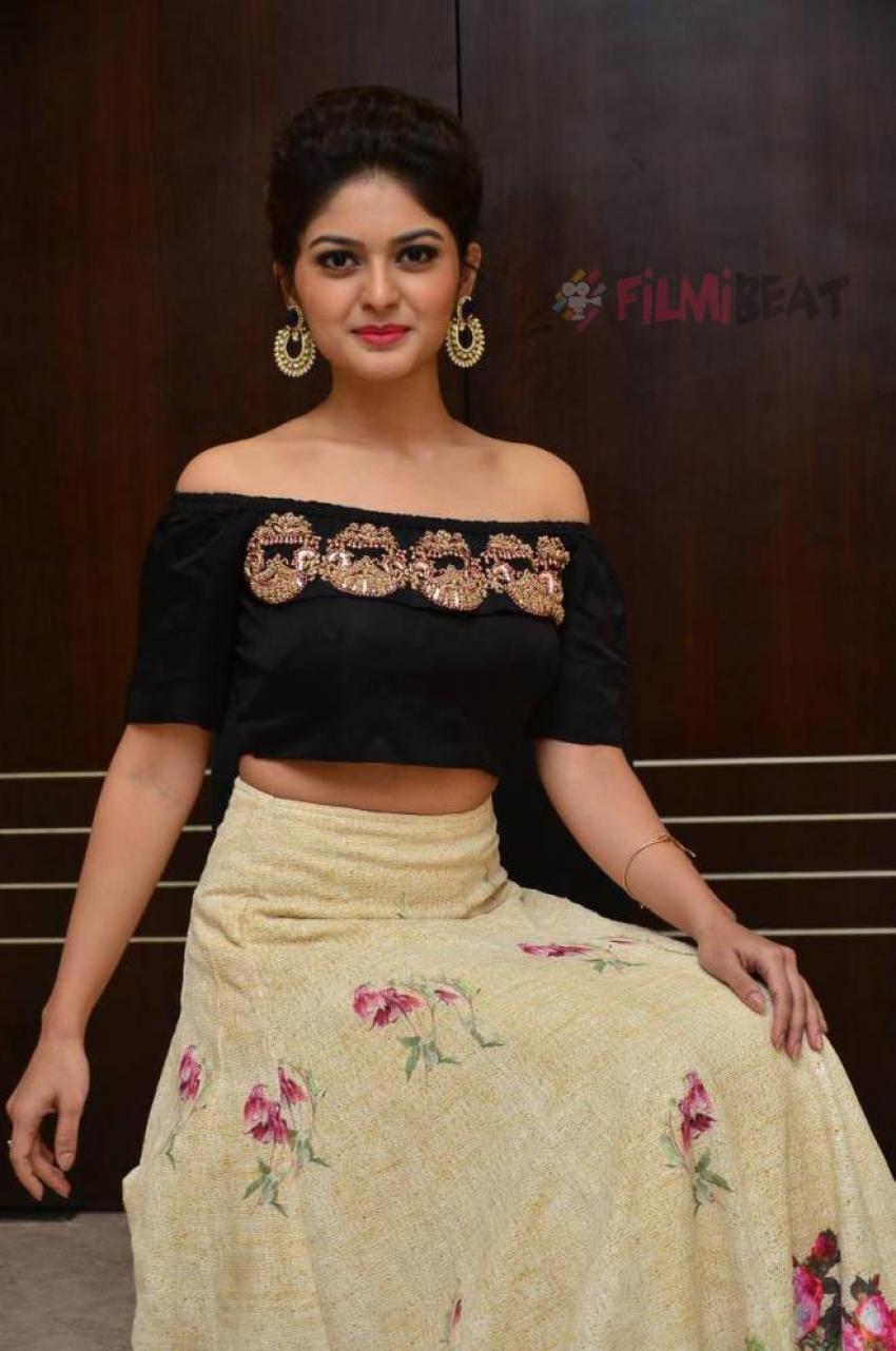 Vaibhavi Shandilya Photos