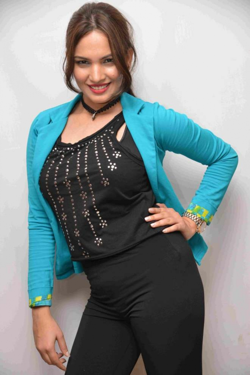 Keerthi Lakshmi Photos