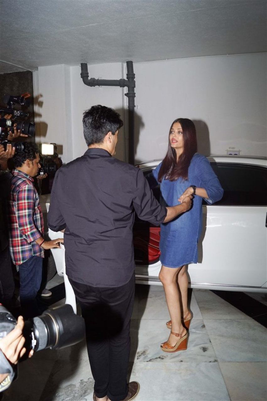 Abhishek Bachchan , Aishwarya Rai , Karan Johar At Manish Malhotra's Dinner Party Photos