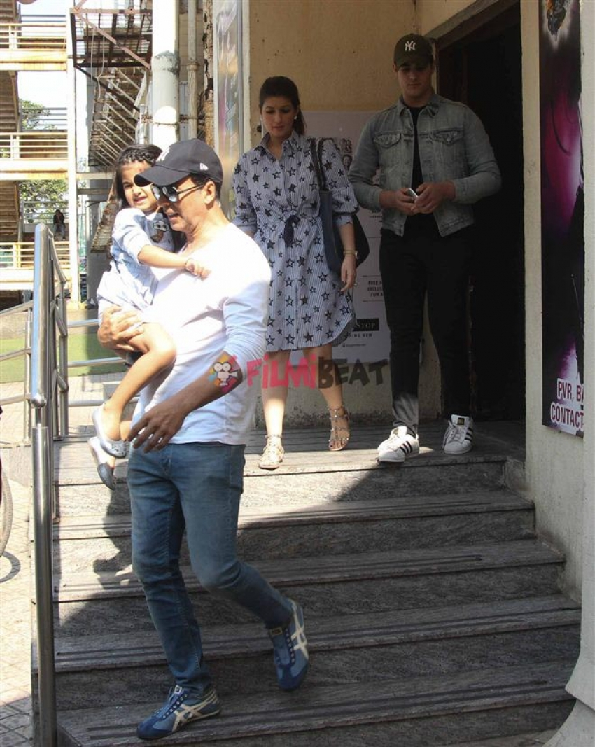 Akshay Kumar With Family Spotted At Juhu PVR Photos