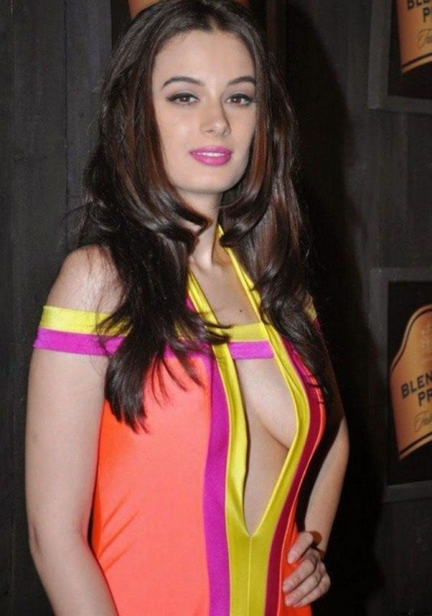 Bollywood Actress latest Hot Pics Photos