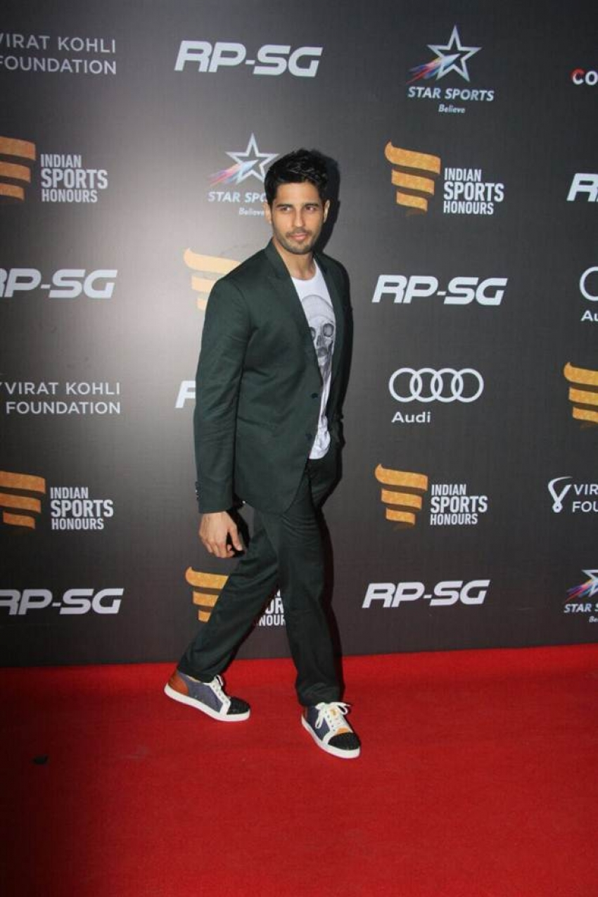 Bollywood Celebs At Inaguration Of Indian Sports Honours Photos