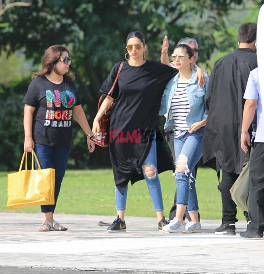 Deepika Padukone, Alia Bhatt & Siddharth After SRK Birthday Party Photos