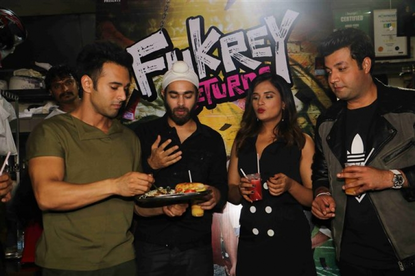 Fukras Visited Famous Fukra Spots In Mumbai Photos