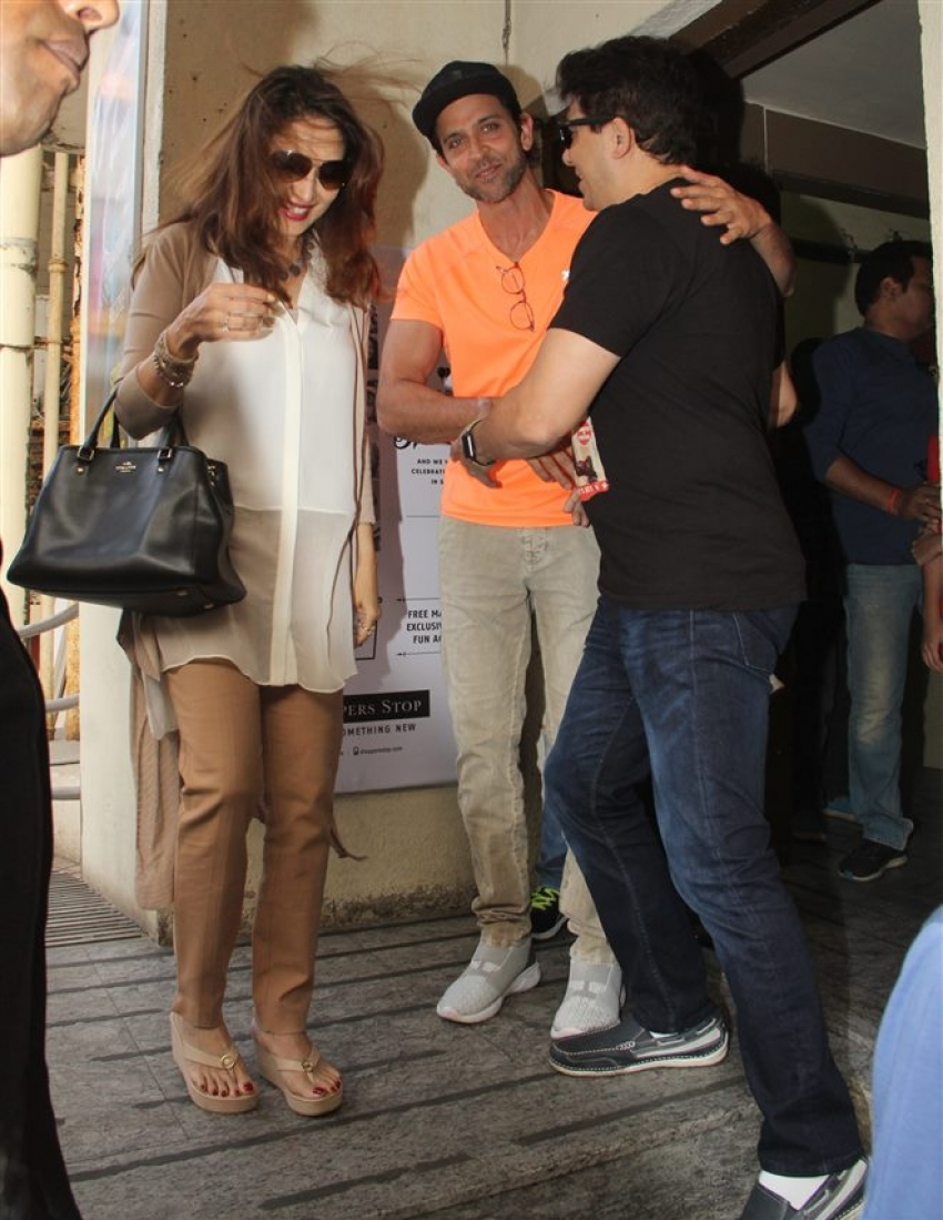 Hrithik Roshan & Madhuri Dixit Spotted With Family Spotted In Mumbai Photos