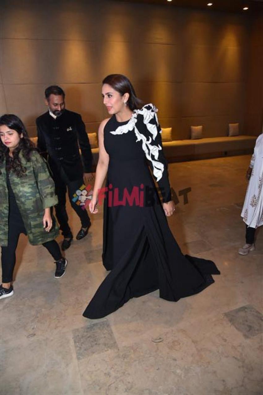 Huma Qureshi At Conde Nast Travellers Award In New Delhi Photos