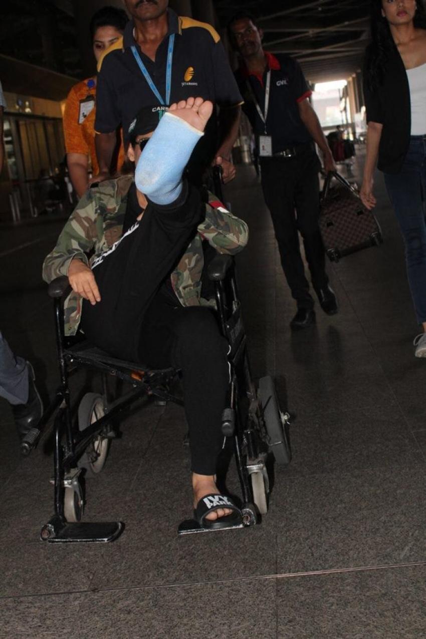 Kangana Ranaut Injured On Manikarnika Set , Spotted At Airport Photos