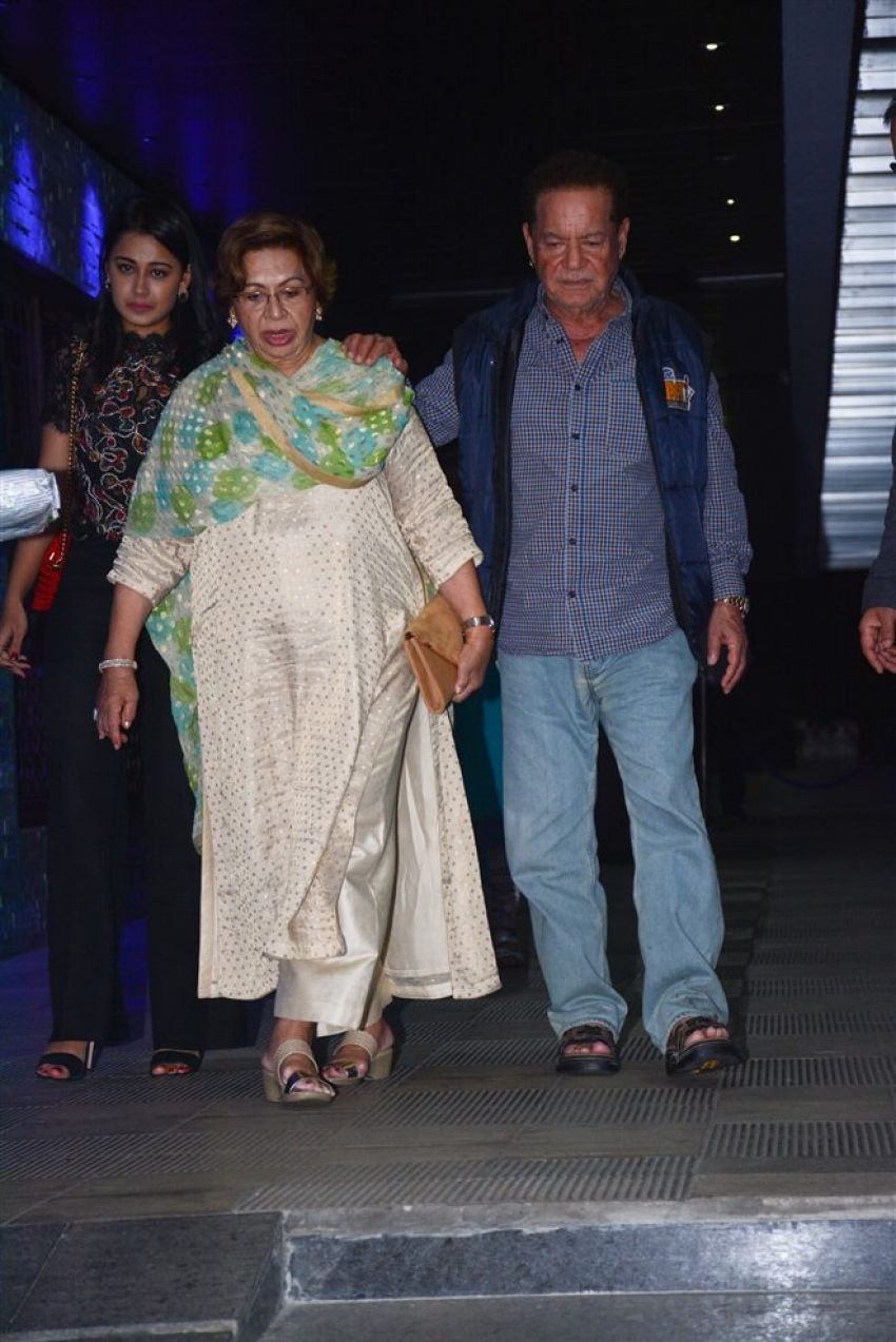 Khan Family Celebrates Helen's Birthday At Hakkasan Bandra Photos