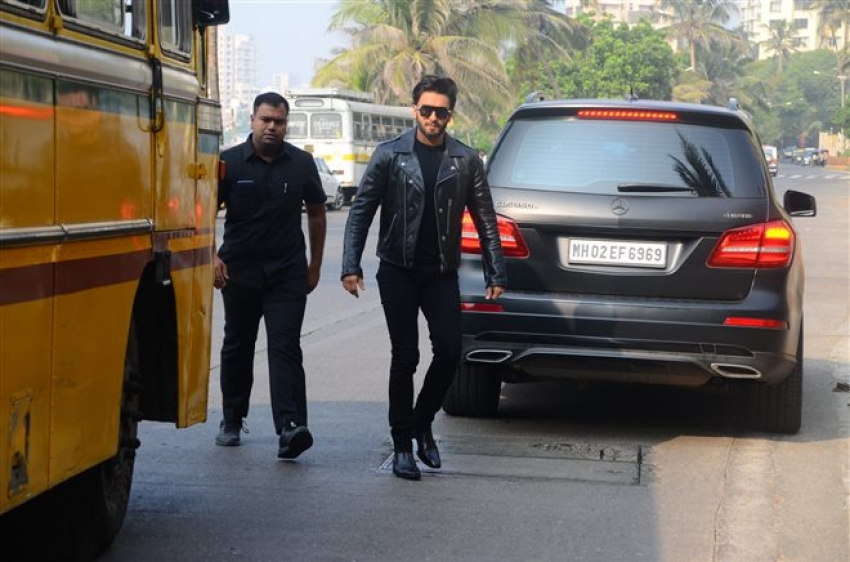 Ranveer Singh Spotted At Zoya Aktar House Photos