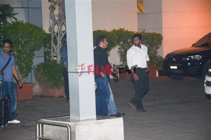 Salman Khan And Katrina Kaif Spotted At Kalina Airport Photos