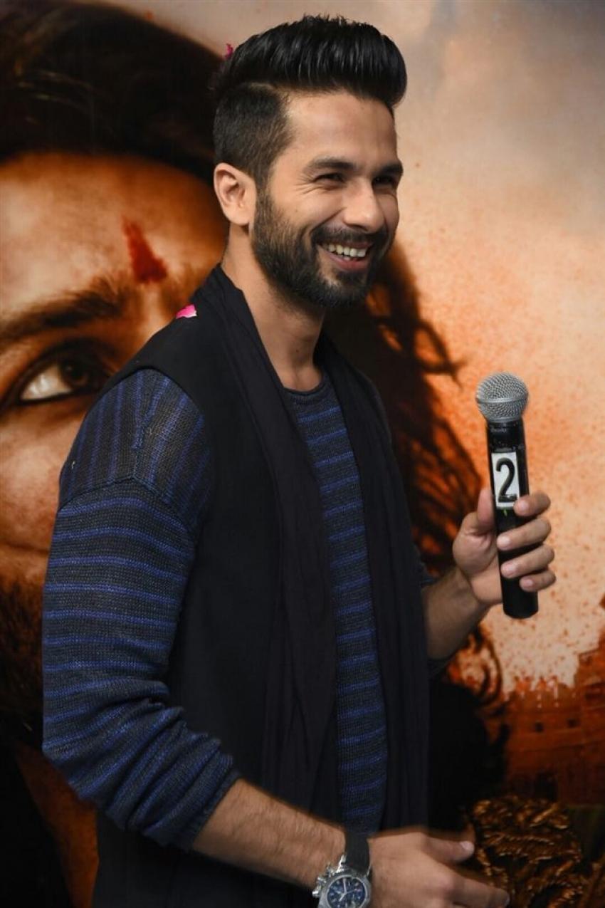 Shahid Kapoor Promotes Padmavati Movie At Radio City Photos