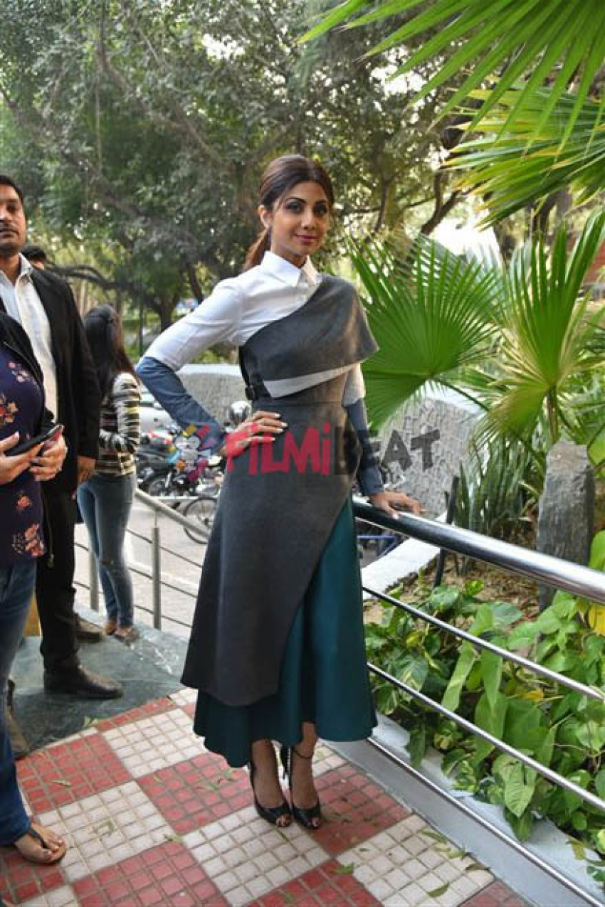 Shilpa Shetty For Plalate Feast In Delhi Photos
