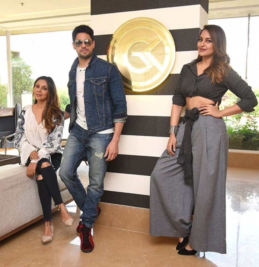 Siddharth Malhotra & Sonakshi Sinha At Gauri Khan Store Photos