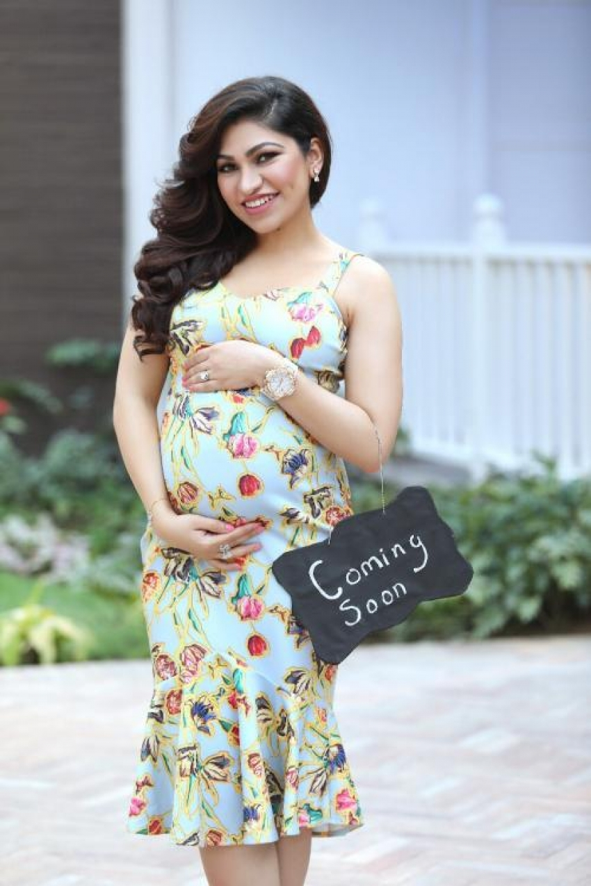 Singer Tulsi Kumar's Maternity Photoshoot With Her Husband Is Too Cute Photos