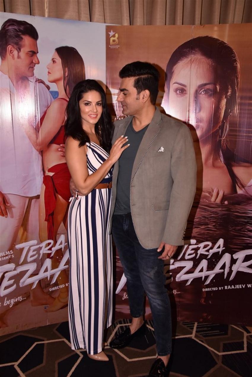 Sunny Leone & Arbazz Khan At Tera Intezaar Press Meet Photos