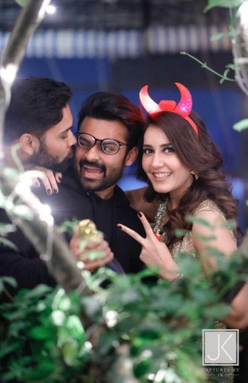 Actress Raashi Khanna Birthday Bash 2017 Photos
