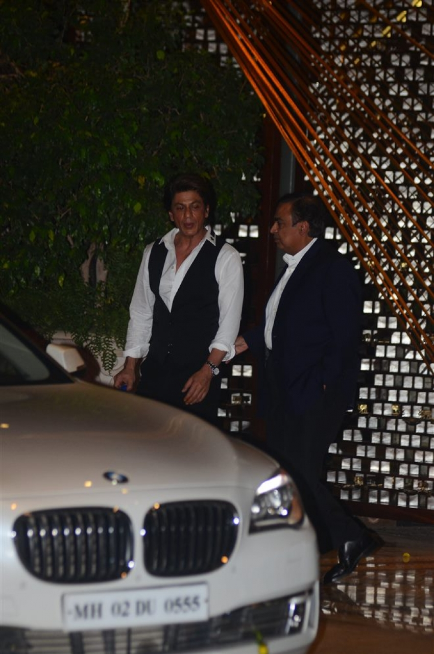 Alia, Shahrukh, Shahrukh Khan At Ambani Party Photos