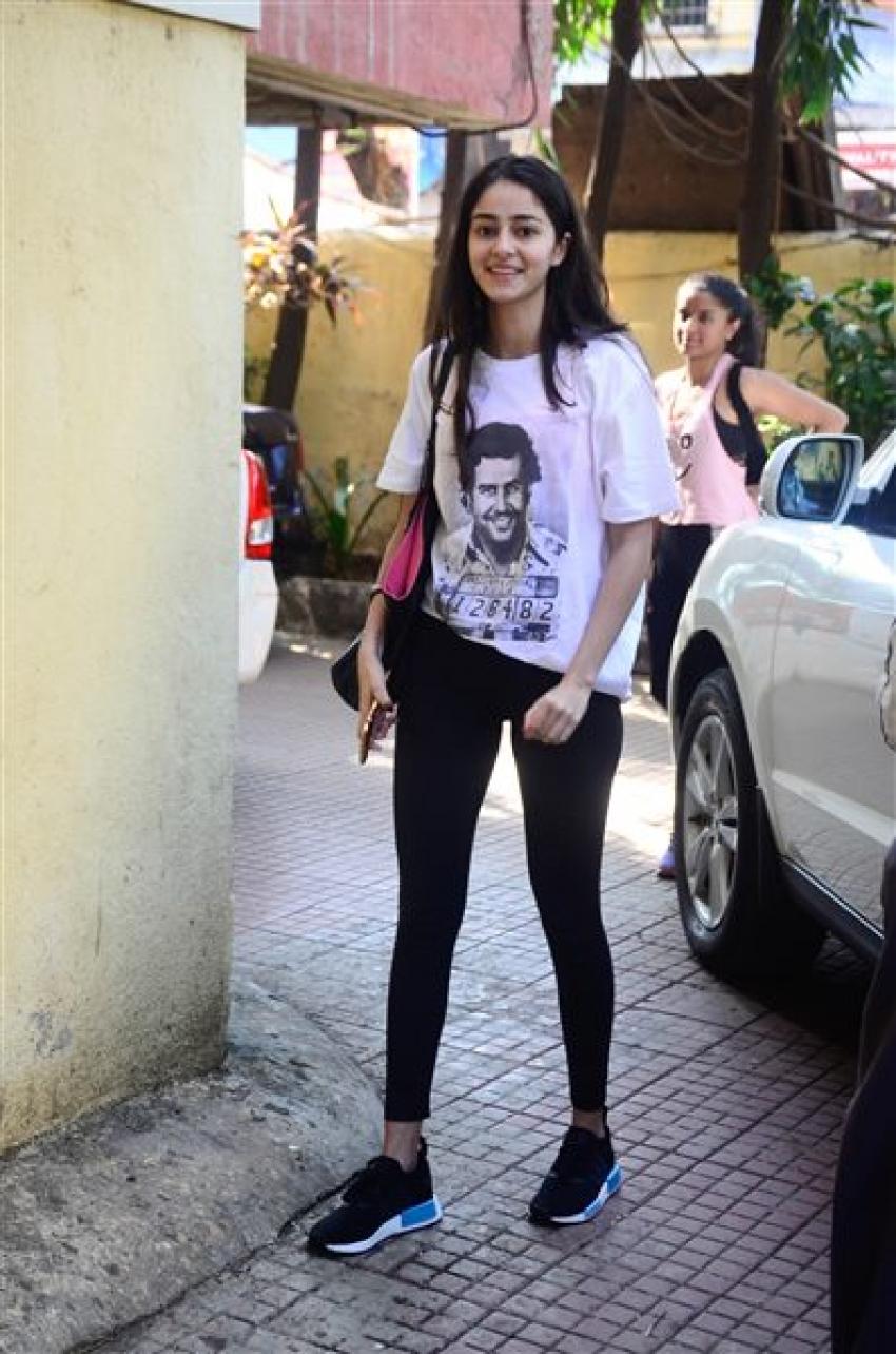 Ananya Pandey Spotted At Gym Bandra Photos