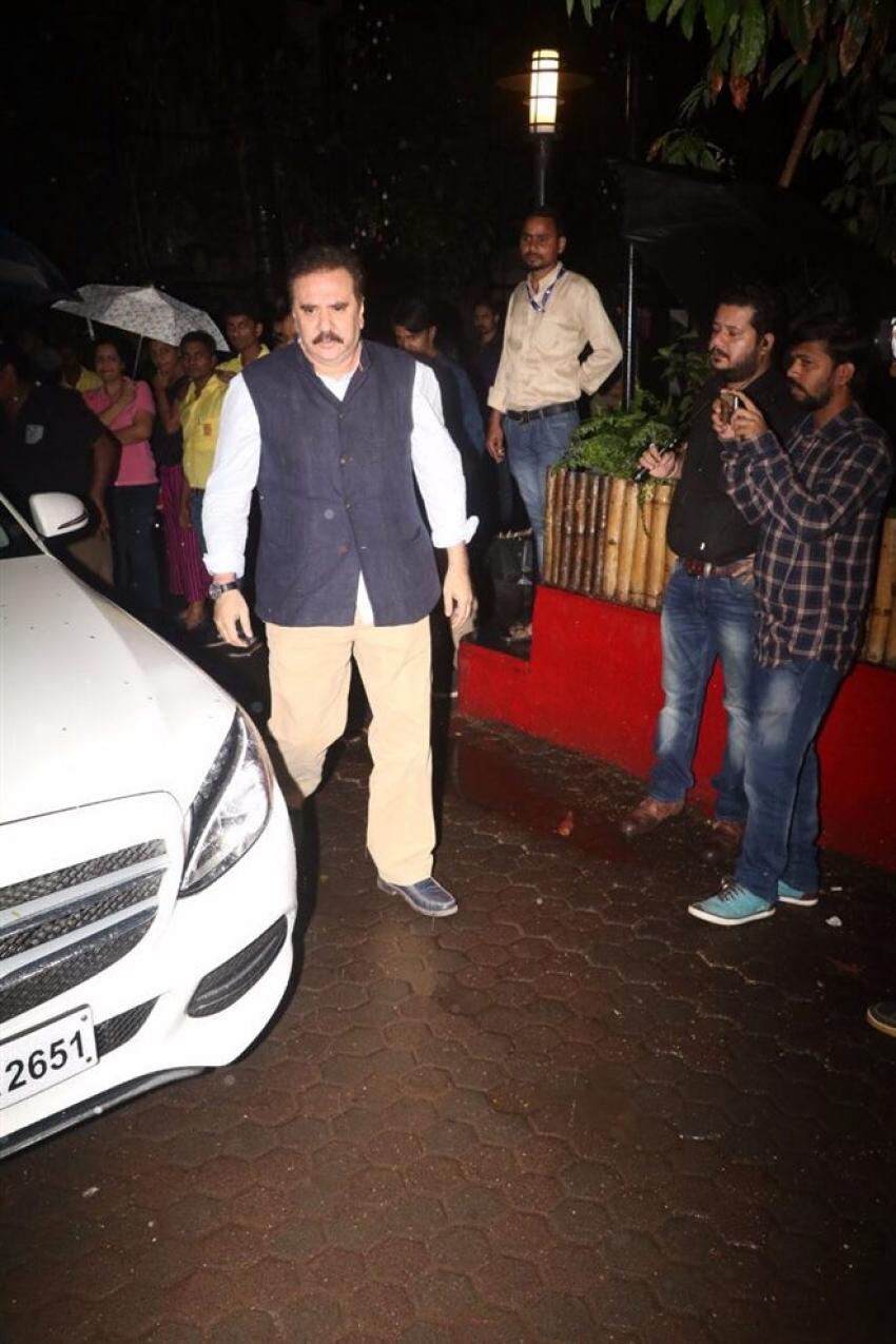 Bachchan Family Visit Shashi Kapoor House Photos