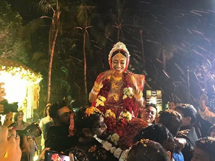 Hate Story Actress Paoli Dam Tied Knot With Arjun Deb Photos
