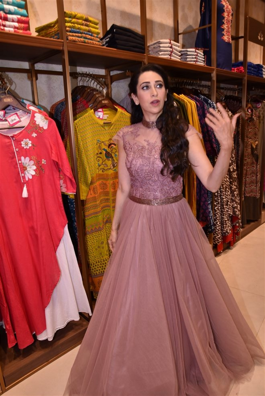 Karisma Kapoor Launch Neeru Store In Mumbai Photos