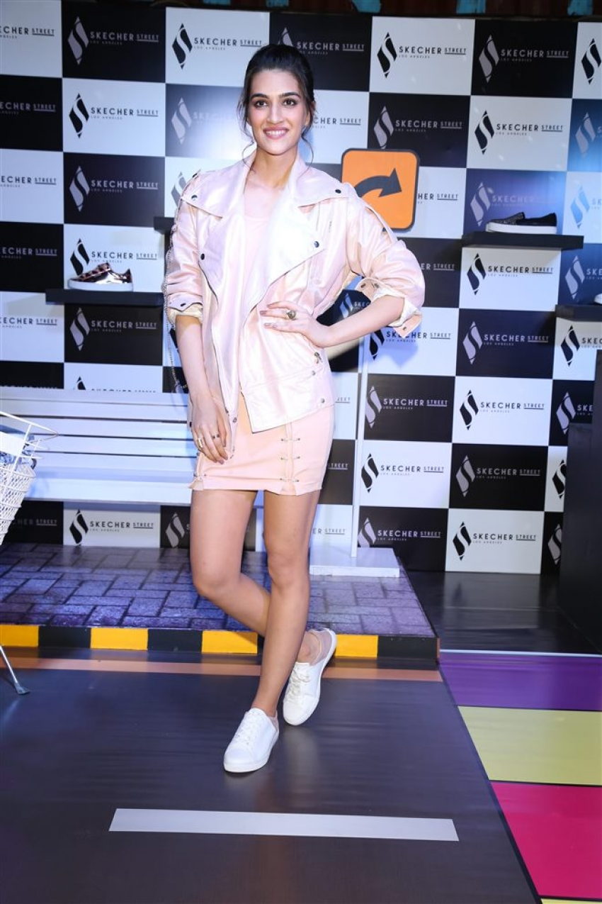 Kriti Sanon At Skecher Street Party In New Delhi Photos