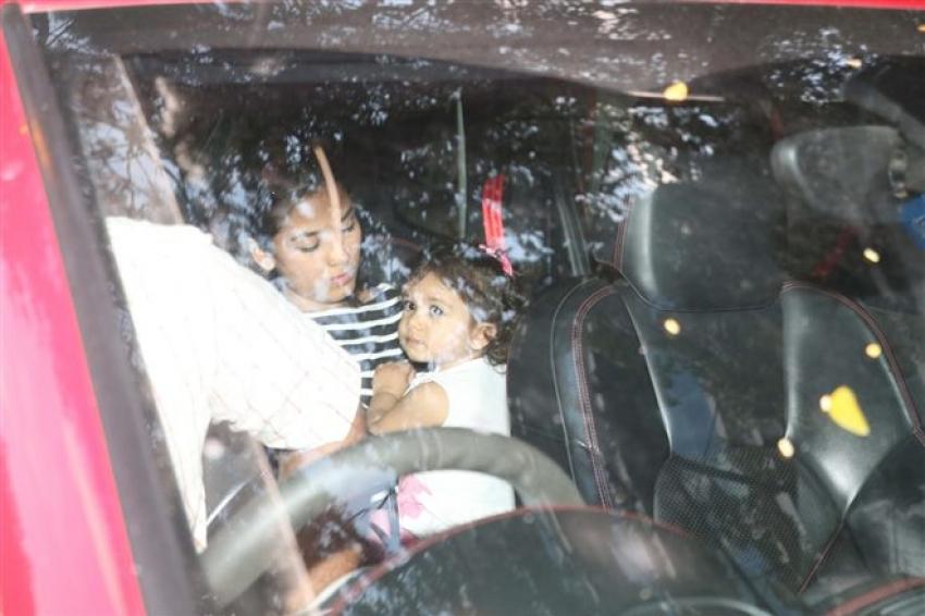 Mira Rajput With Daughter Misha Spotted At Khar Photos
