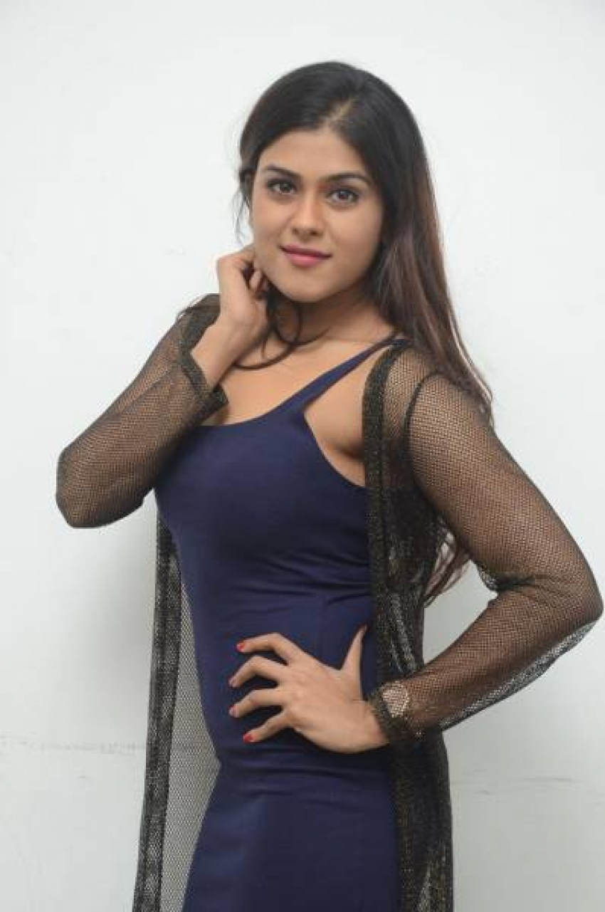 Naira Shah Photos
