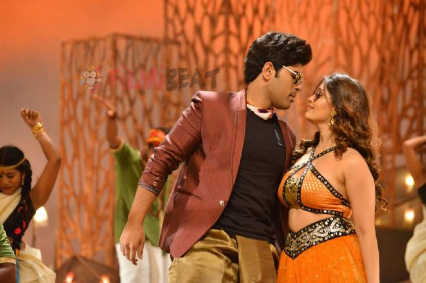 Oka Kshanam Photos