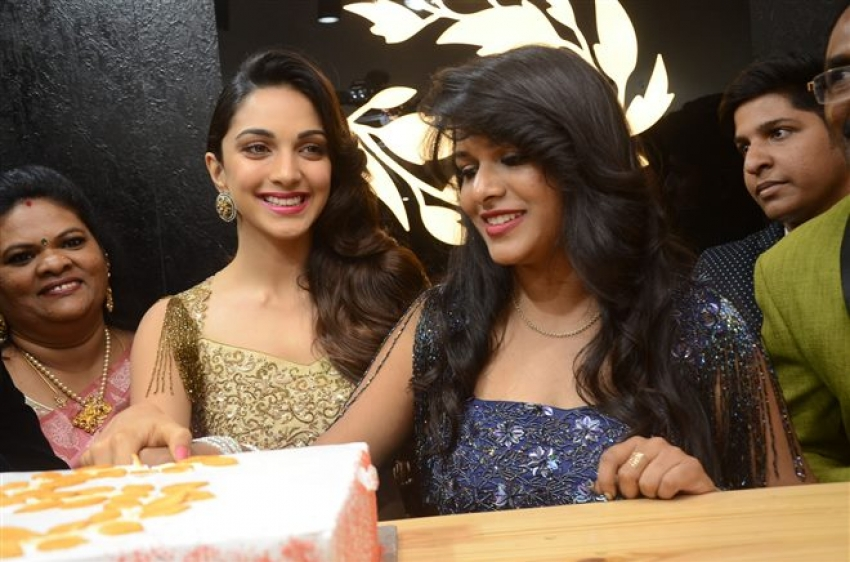 Puri Jagannadh Kaira Advani Launches Designer Sirisha Reddy Boutique At Jubilee Hills Photos Filmibeat