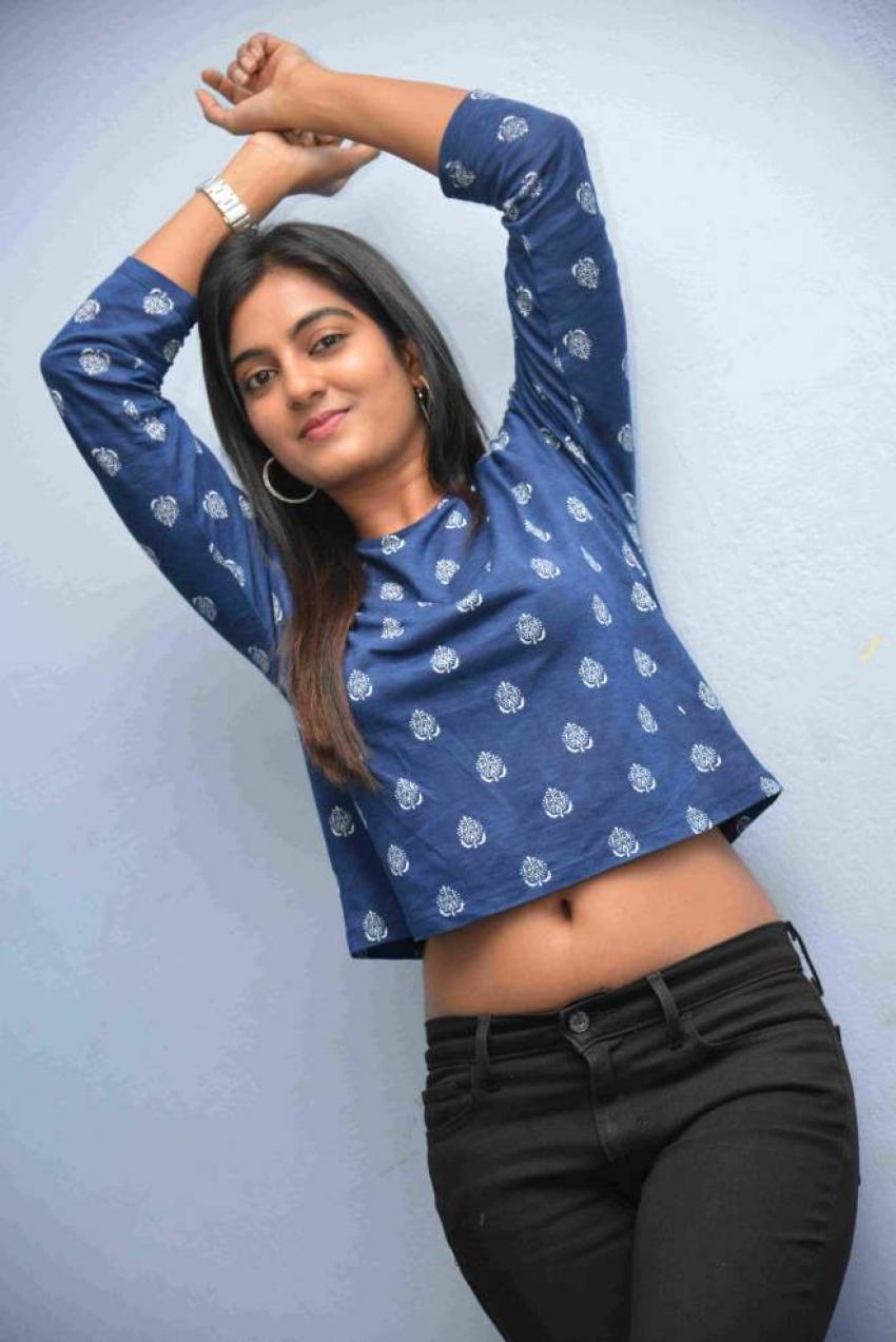 Shruthi Photos