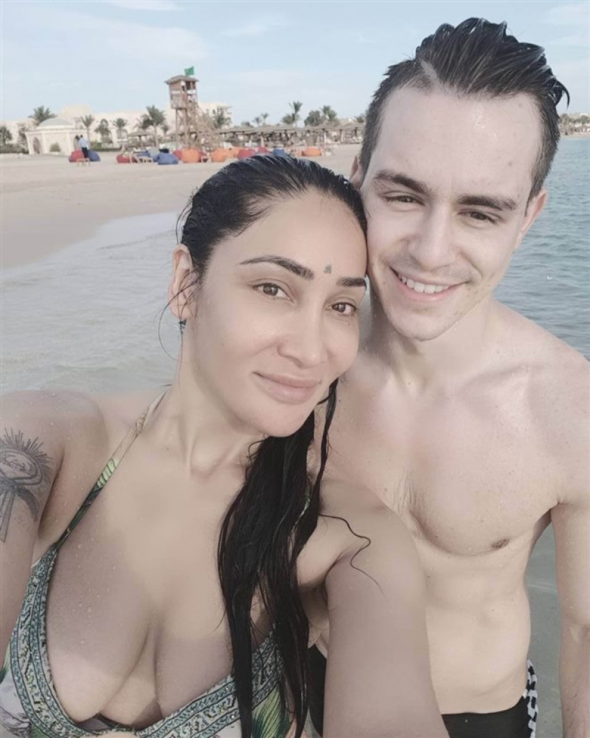 Sofia Hayat Honeymoon Pictures Photos