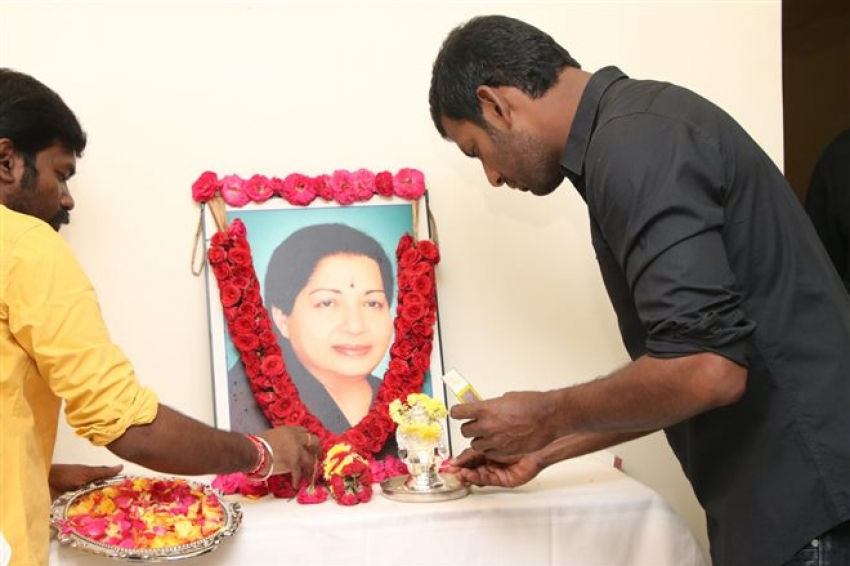 Actor Vishal Pay Respect To Jayalalithaa On Her Death Anniversary Photos