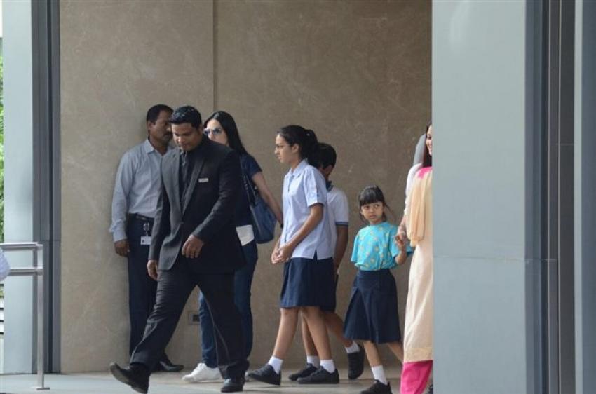 Abhishek  Bachchan & Aishwarya With Aaradhya At BKC Photos