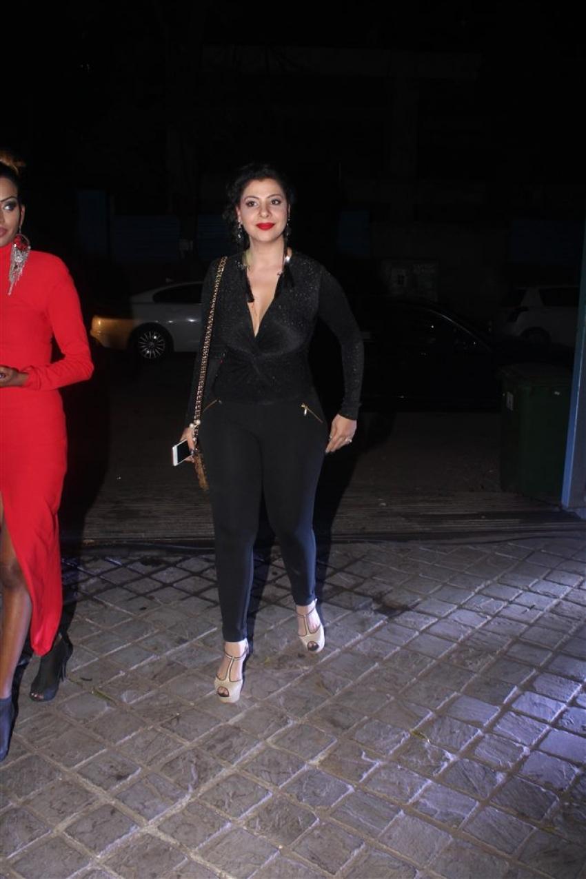 Bigg Boss 11 Reunion At Arshi Khan House Party Photos