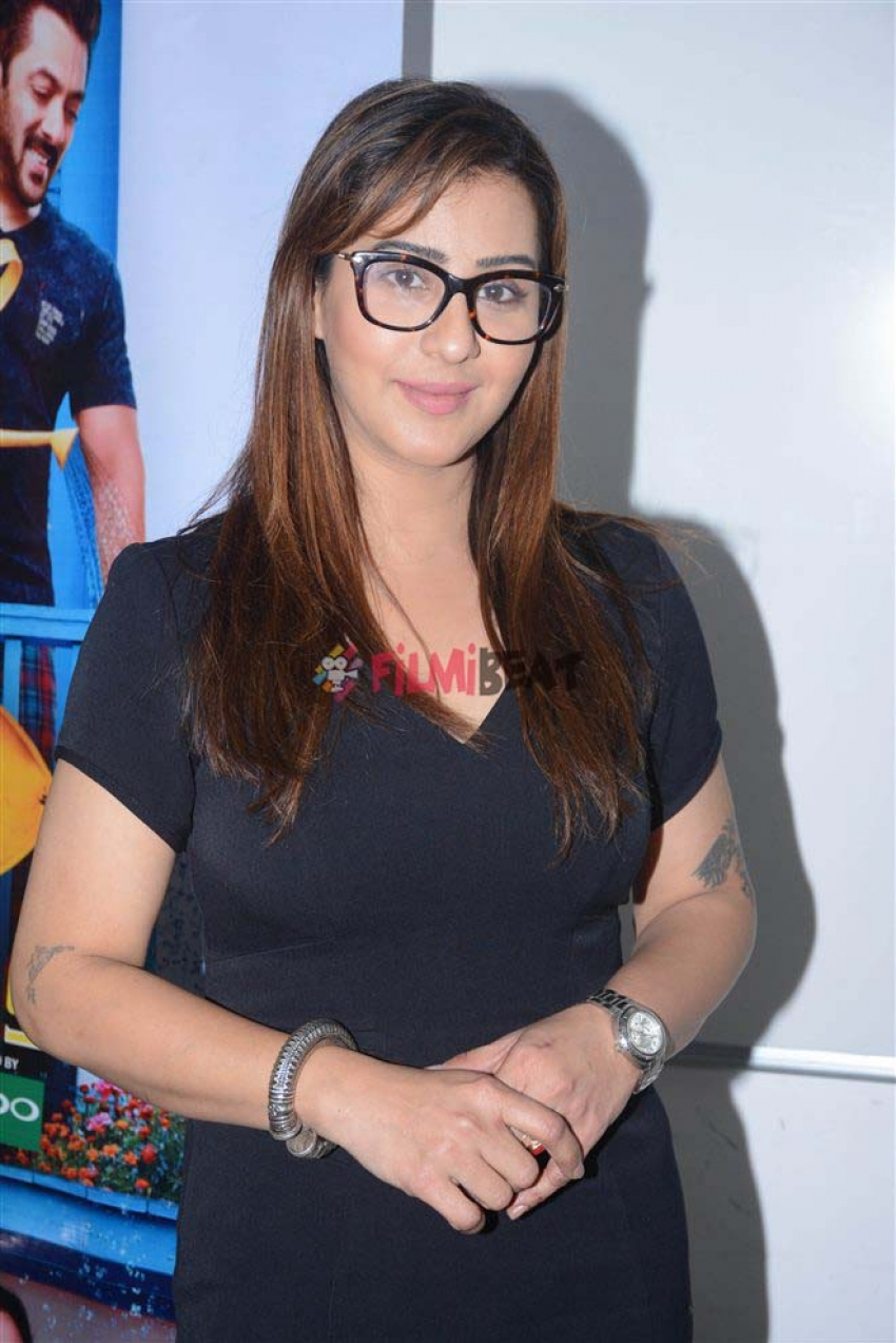 Bigg Boss 11 Winner Shilpa Shinde At Viacom Office Andheri Photos