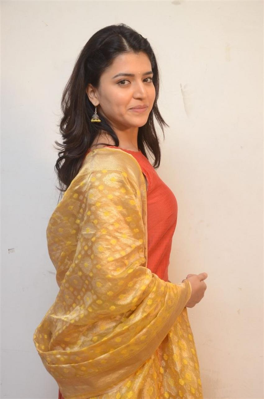 Chithra Shukla Photos