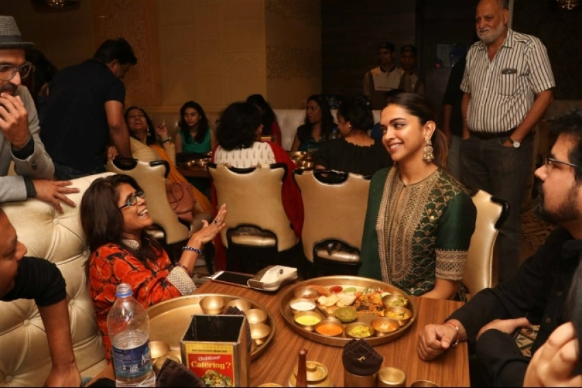 Deepika Padukone Celebrate Padmaavat Success At Maharaja Bhog with Rajasthani Thali Photos