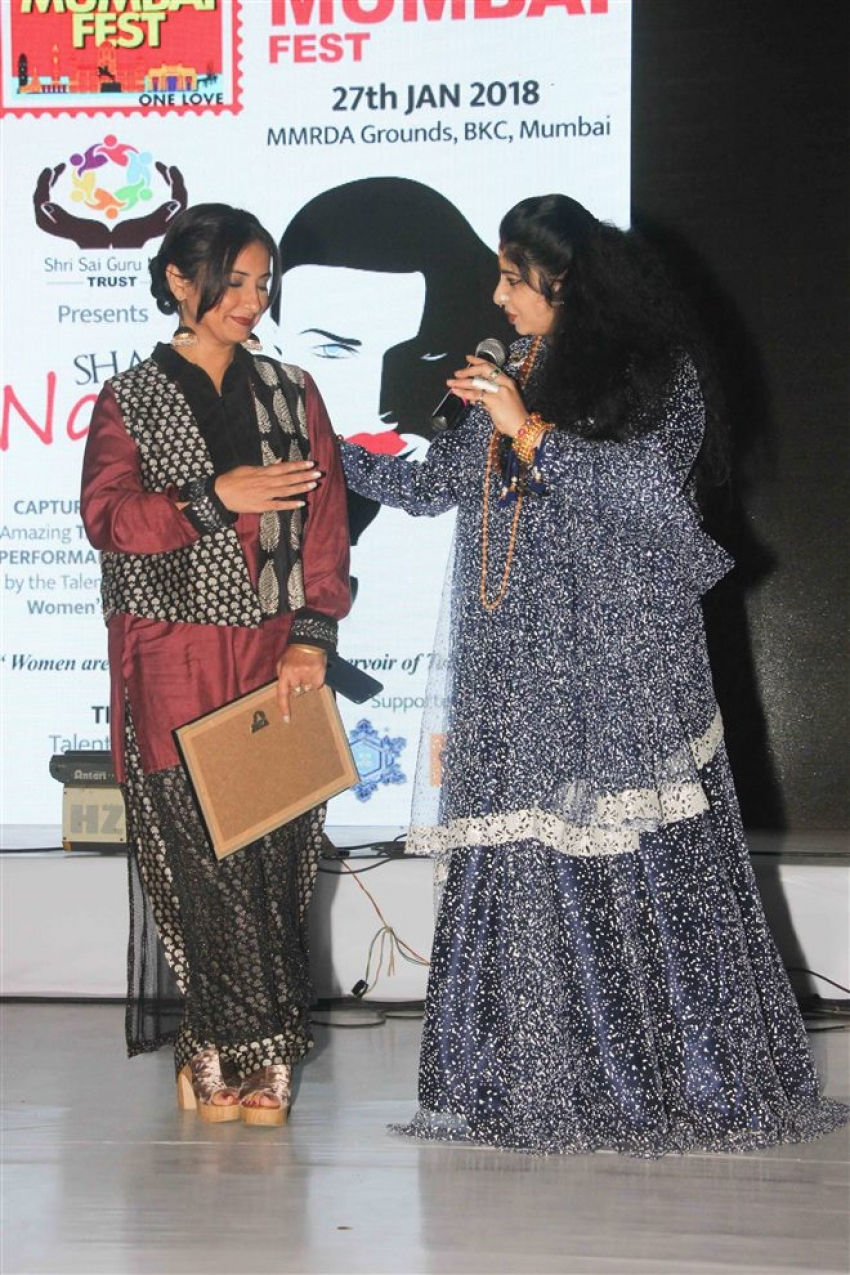Divya Dutta Felicitated At Mumbai Fest 2018 Photos