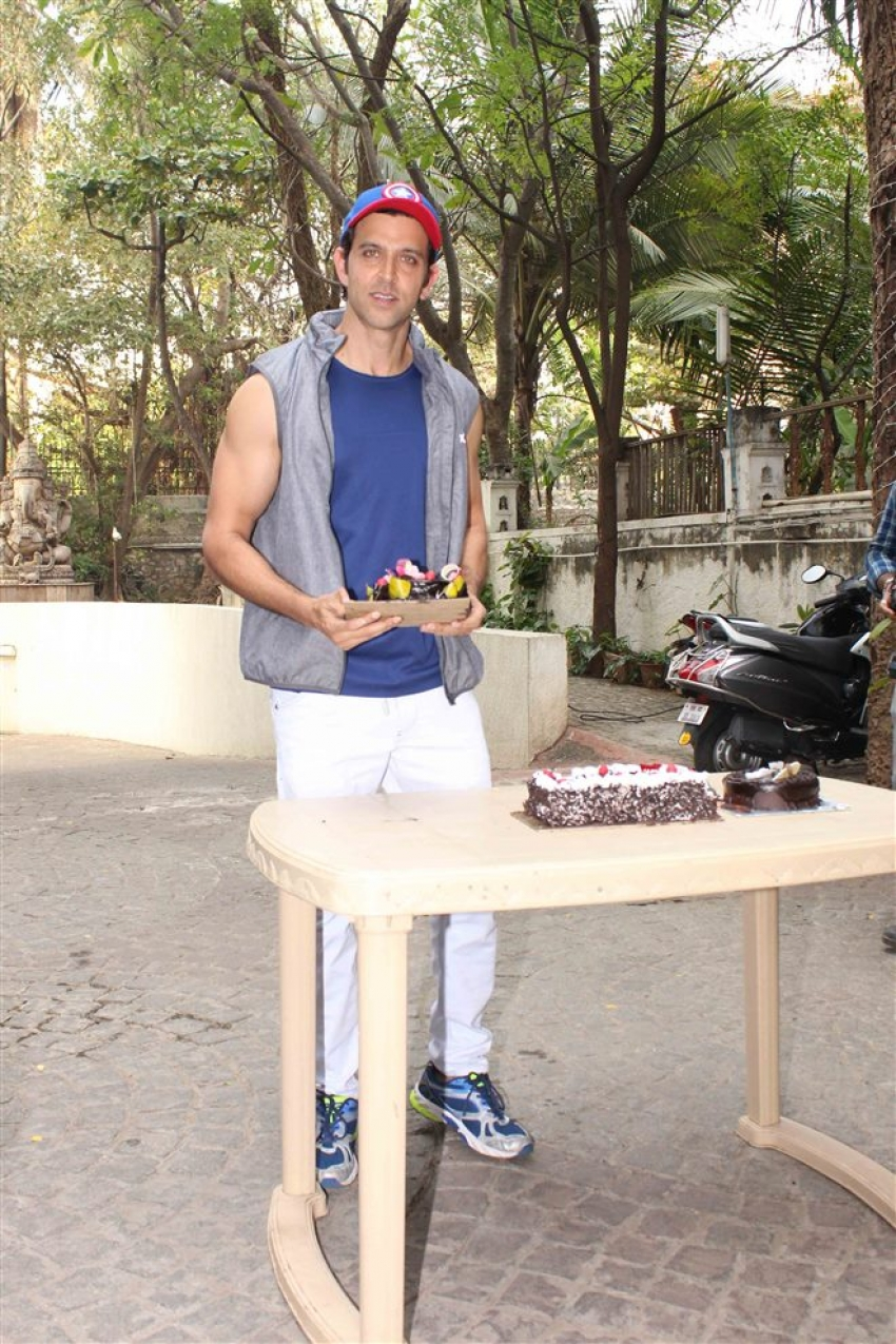Hrithik Roshan Celebrates His 44th Birthday With Media Photos
