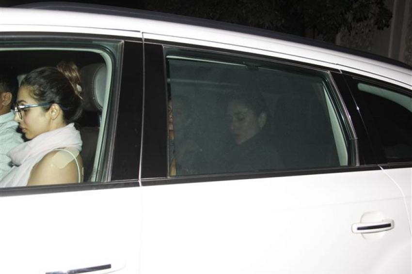 Kareena, Malaika, Amrita Arora Spotted At Bandra Photos
