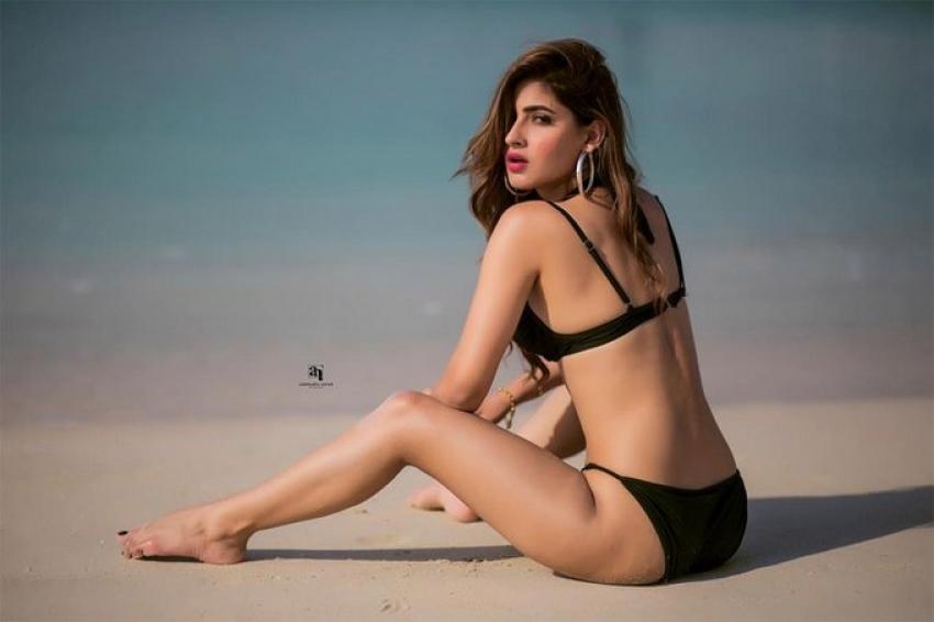 Karishma Sharma Goes TOPLESS For Photoshoot Photos